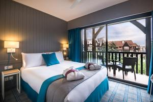 A room at Mercure Deauville Centre