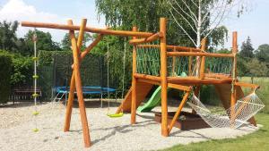 Herní místnost nebo prostor pro děti v ubytování Penzion Na Lednické