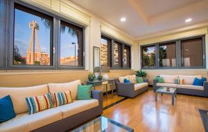 The lounge or bar area at Hotel Residence Ulivi E Palme