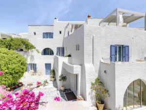A balcony or terrace at Iria Beach Art Hotel