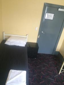 A room at Cross Keys Hotel