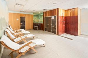 Spa and/or other wellness facilities at SunFlower Park Hotel