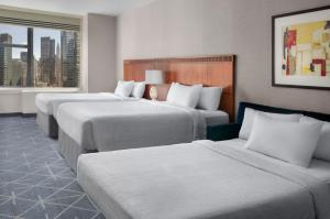 A room at Courtyard New York Manhattan/Midtown East