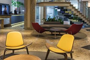 The lobby or reception area at Mercure Prinz Joinville