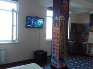 Телевизор и/или развлекательный центр в Alpiyskaya