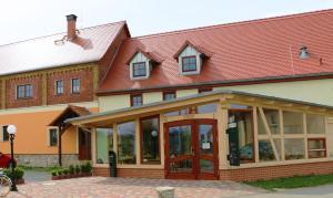 Eine Fassade oder ein Eingang zu Hotel Sonnekalb