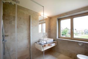 Ein Badezimmer in der Unterkunft Schtûbat (Contactless Check-In)