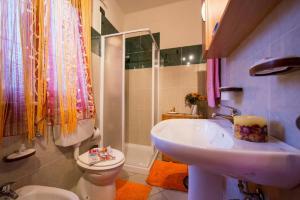 Ein Badezimmer in der Unterkunft Apartment La Bella