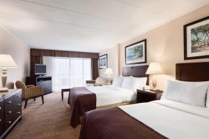 A room at Holiday Inn Ocean City, an IHG hotel