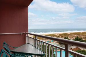 A balcony or terrace at Holiday Inn Ocean City, an IHG hotel
