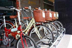 家和商旅或附近騎腳踏車