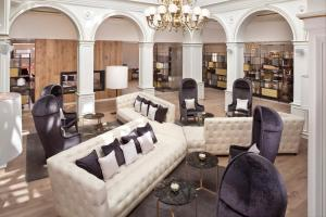 The lounge or bar area at Palacio de los Duques Gran Meliá - The Leading Hotels of the World