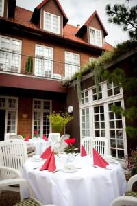 A restaurant or other place to eat at Hotel Borchers