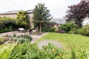 A garden outside Stanley Lodge Farmhouse