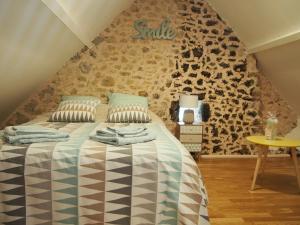 A room at Petit gite a deux pas de l'etang