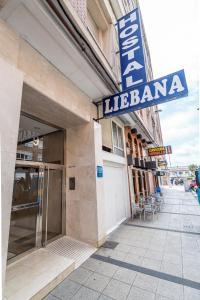 The facade or entrance of Hostal Liebana