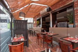 Restaurant ou autre lieu de restauration dans l'établissement Maison du Cassoulet