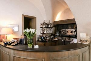 The lounge or bar area at Albergo Delle Notarie