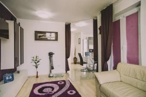 O zonă de relaxare la Penthouse Ambiance Brasov