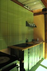 A kitchen or kitchenette at Sveču darbnīca Bandeniekos