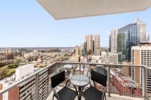 A balcony or terrace at Oaks Melbourne on Lonsdale Suites
