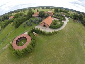 Widok z lotu ptaka na obiekt Stajnia Lipowo