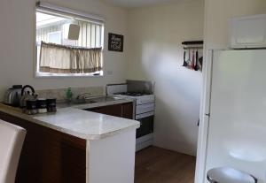 A kitchen or kitchenette at Nathan's Place