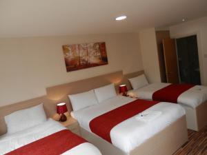 A room at Heathrow Traveller B & B