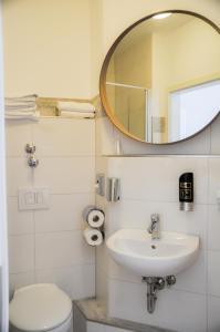 Ein Badezimmer in der Unterkunft Boutique Hotel Villa-Soy