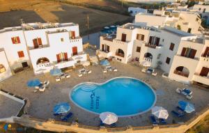 Θέα της πισίνας από το Naxos Mare ή από εκεί κοντά