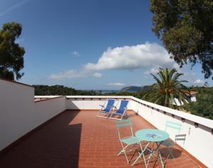 A balcony or terrace at Hotel Villa Giulia