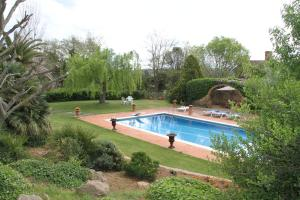 The swimming pool at or near Mas Vilosa Bed and Breakfast