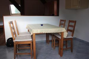 Ein Sitzbereich in der Unterkunft Ferienwohnung Prenzlau