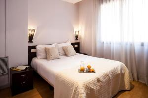 A room at Short Stay Group Camp Nou Serviced Apartments