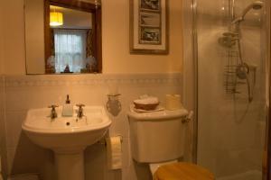 A bathroom at Roselea House