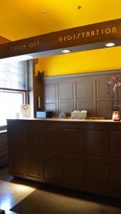The lobby or reception area at Alexander Inn