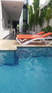 The swimming pool at or near Hotel Or Cartagena