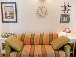 A seating area at Holiday Home Les Parcs de Gassin-4