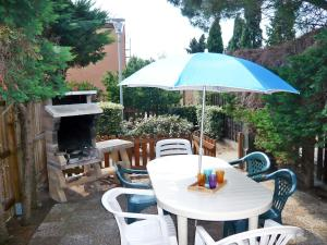 A porch or other outdoor area at Holiday Home Les Amandines-3