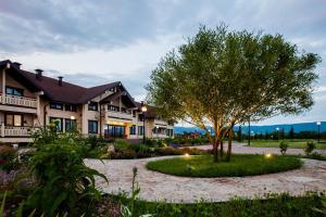 Сад в Парк-Отель Алтай Green