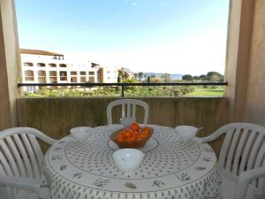 A balcony or terrace at Apartment Les Marines
