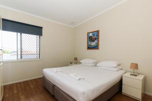 A room at Scarborough Apartments