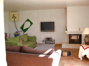 The lounge or bar area at Holiday Home La Grèze
