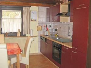 Küche/Küchenzeile in der Unterkunft Holiday Home Ferienpark Ronshausen-3