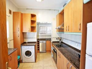 Una cocina o zona de cocina en Holiday Home Vilafortuny