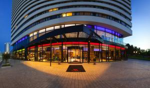 The facade or entrance of Bonn Marriott Hotel