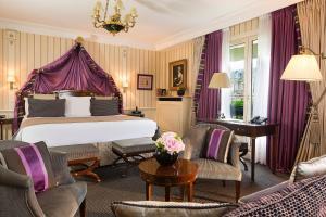 Ein Zimmer in der Unterkunft Hôtel Napoleon Paris