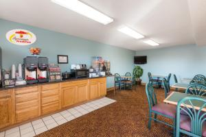 A restaurant or other place to eat at Super 8 by Wyndham Wakeeney