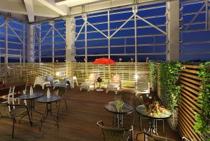 A restaurant or other place to eat at Hotel Skypark Kingstown Dongdaemun