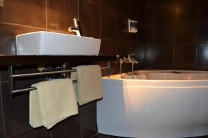 A bathroom at Hotel Rural Bi Terra